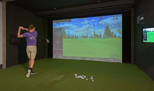 PGA-Quality Golf Simulator